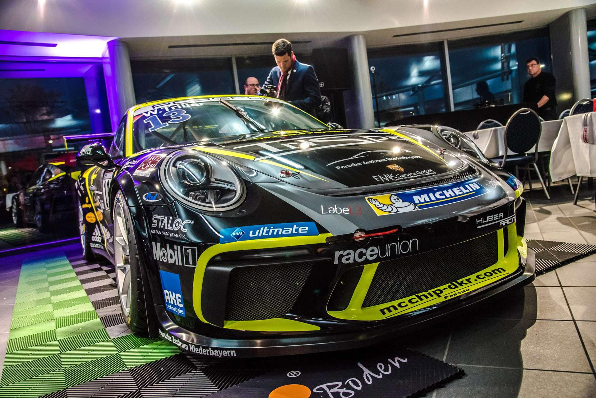 mcchip-dkr ist neuer Partner des Porsche Carrera Cup Teams Huber Racing